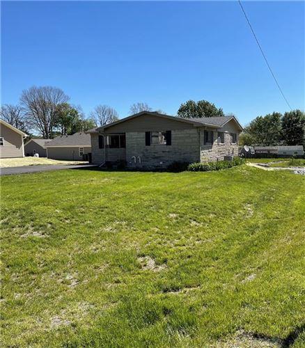 Photo of 17 Martin Drive, Danville, IN 46122 (MLS # 21784801)