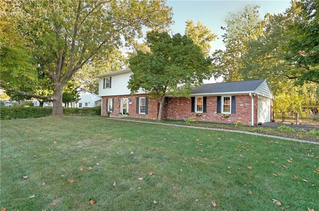 1511 Parkside Drive, Columbus, IN 47203 - #: 21744813