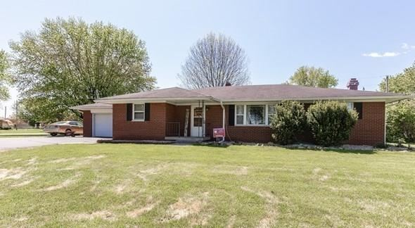 6111 Bluff Acres Drive, Greenwood, IN 46143 - #: 21708814