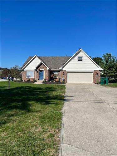Photo of 818 N Buck Creek Road, Greenfield, IN 46140 (MLS # 21810816)