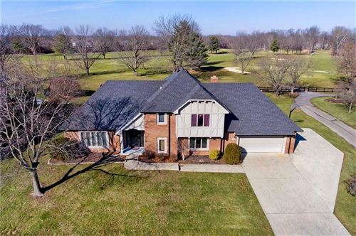 Photo of 2402 Woodsway Drive, Greenwood, IN 46143 (MLS # 21689820)