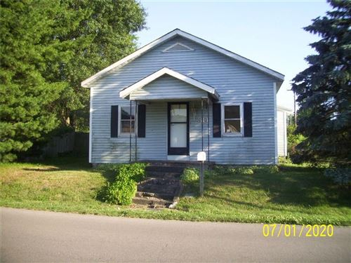 Photo of 314 East Van Cleve Street, Hartford City, IN 47348 (MLS # 21723821)