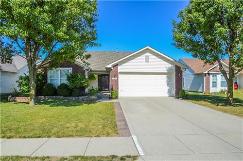 Photo of 6624 Southern Ridge Drive, Indianapolis, IN 46237 (MLS # 21739826)