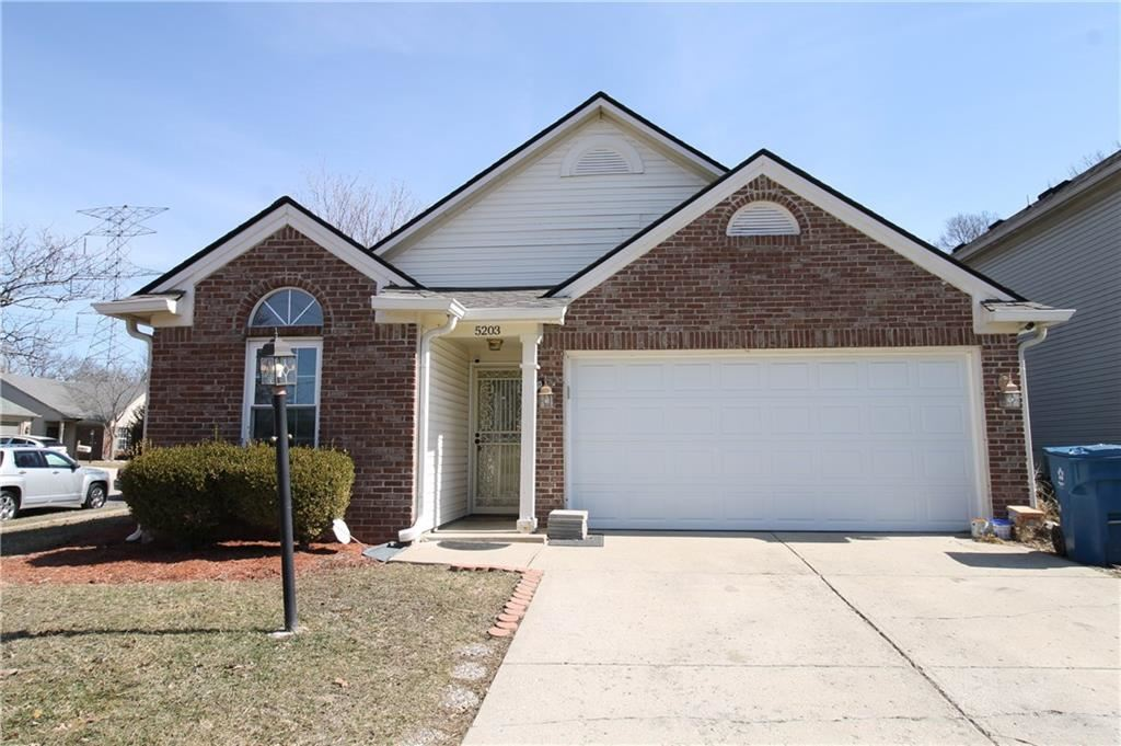 5203 Pin Oak Drive, Indianapolis, IN 46254 - #: 21769826