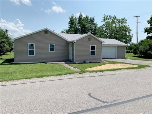 Photo of 1009 E THIRD Street, Greenfield, IN 46140 (MLS # 21799828)