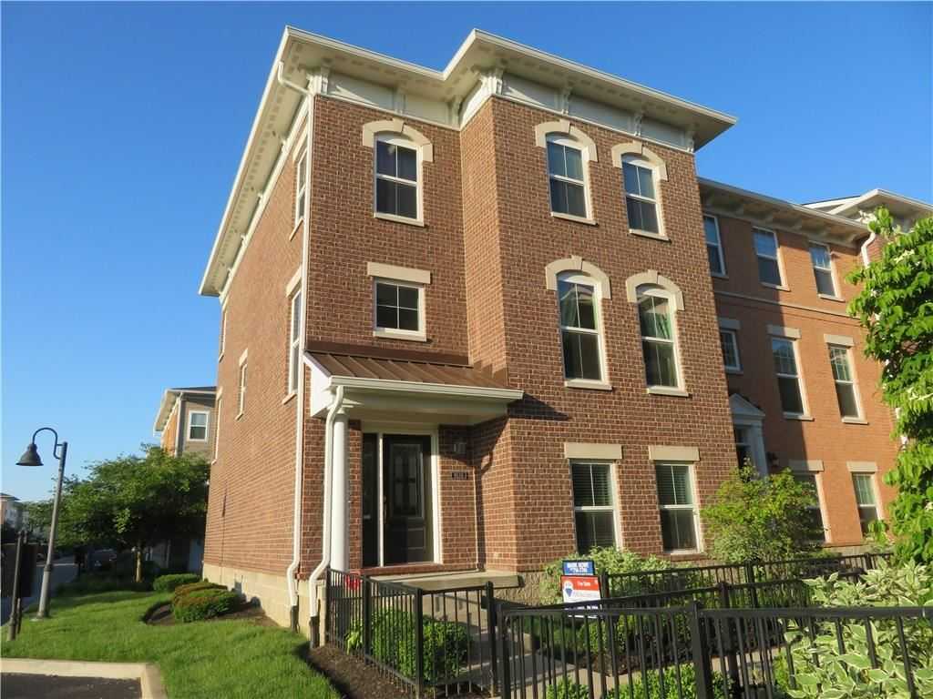 9538 OAKLEY Drive, Indianapolis, IN 46260 - #: 21697828