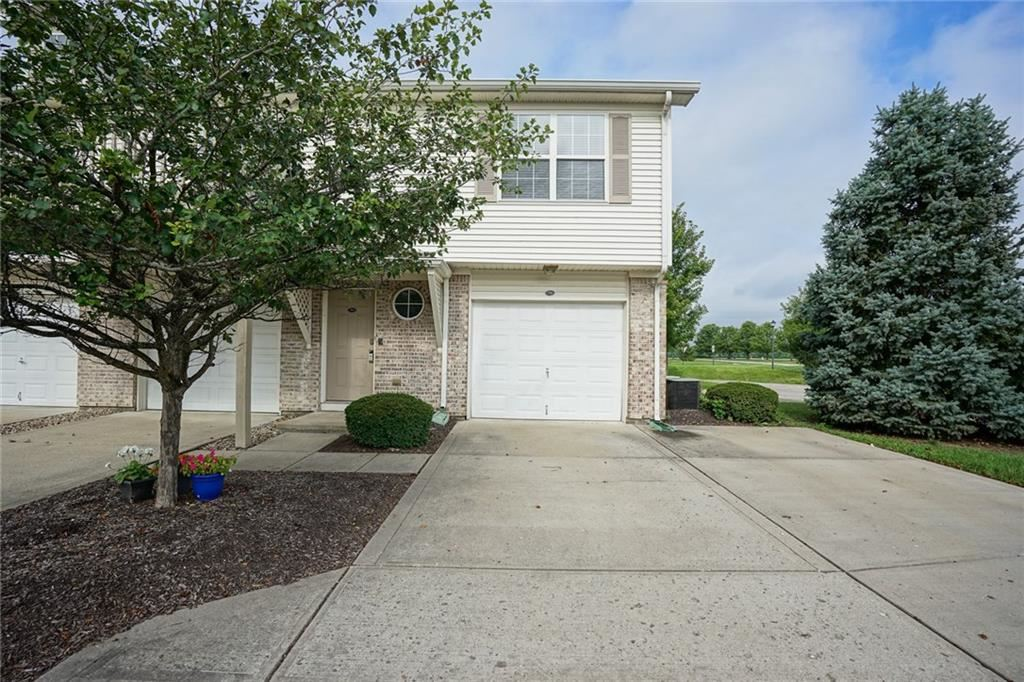 Photo of 704 THISTLEWOOD Court, Plainfield, IN 46168 (MLS # 21722836)