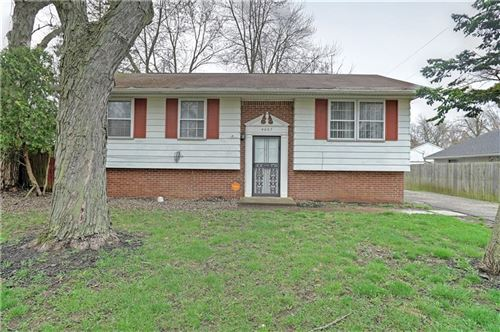 Photo of 4007 Whitaker Drive, Indianapolis, IN 46254 (MLS # 21702837)