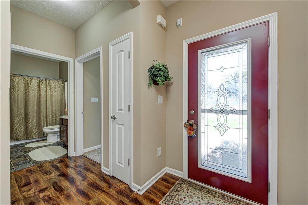 Photo of 1352 Redstone Drive, Avon, IN 46123 (MLS # 21734837)