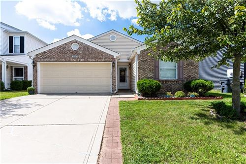 Photo of 1752 Feather Reed Lane, Greenwood, IN 46143 (MLS # 21810839)