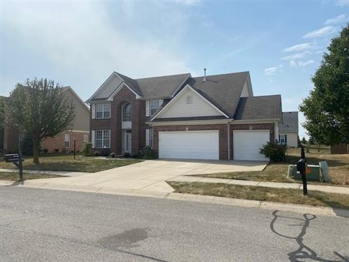 Photo of 8748 North Autumnview Drive, McCordsville, IN 46055 (MLS # 21740842)