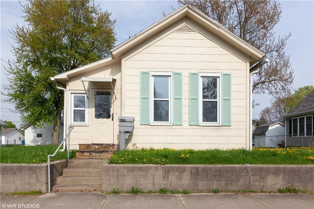 Photo of 908 South 9th, Noblesville, IN 46060 (MLS # 21639843)