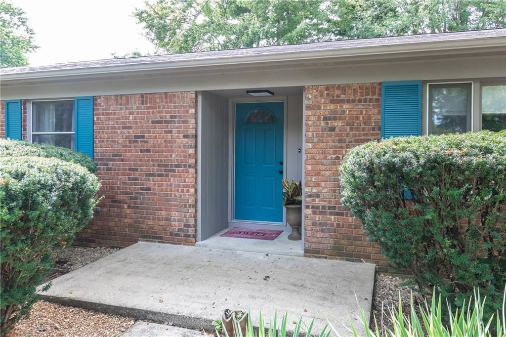 Photo of 4059 WESTOVER Drive, Indianapolis, IN 46268 (MLS # 21739848)