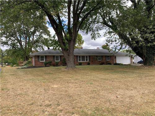 Photo of 4372 Eastside Drive, Brownsburg, IN 46112 (MLS # 21743853)