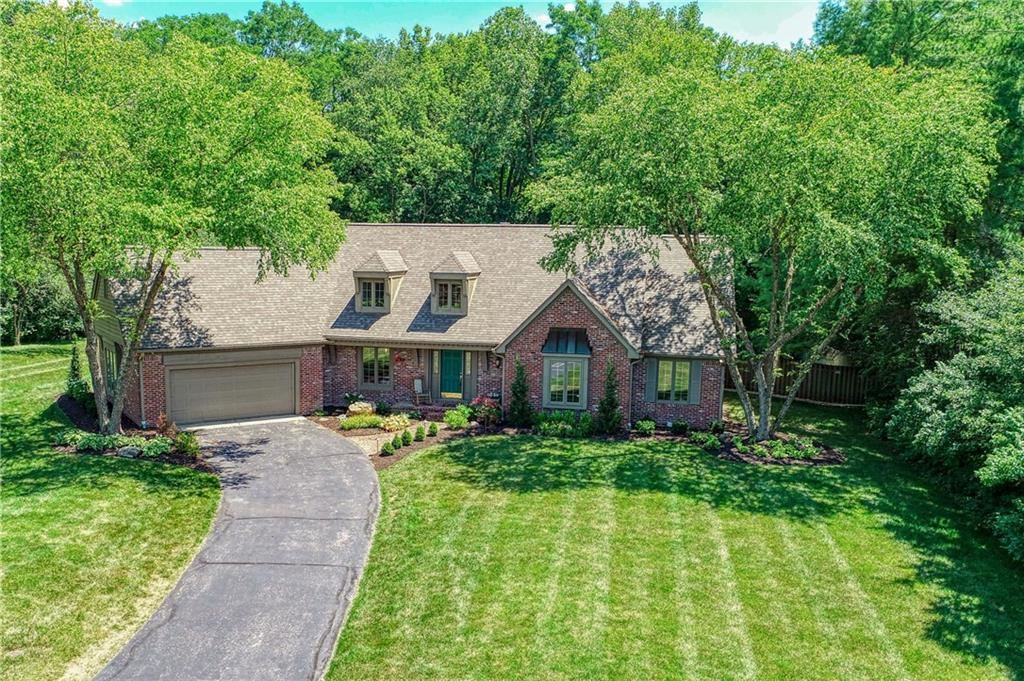 Photo of 11500 Valley Meadow Drive, Zionsville, IN 46077 (MLS # 21722856)