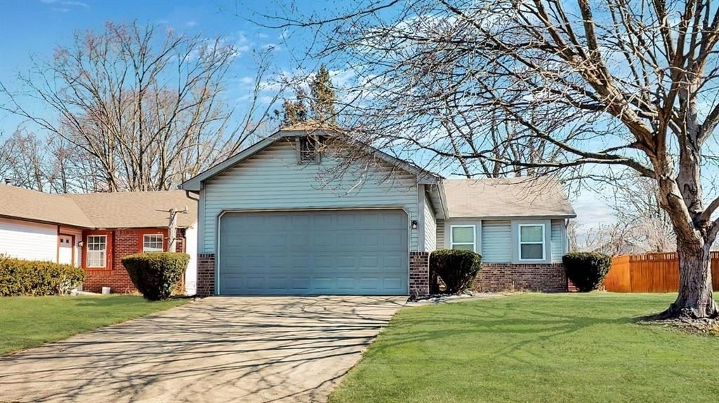 9205 Warwick Road, Indianapolis, IN 46240 - MLS#: 21768878