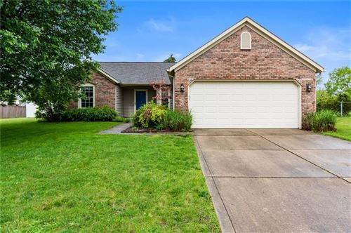Photo of 7318 CRICKWOOD Place, Indianapolis, IN 46268 (MLS # 21714885)