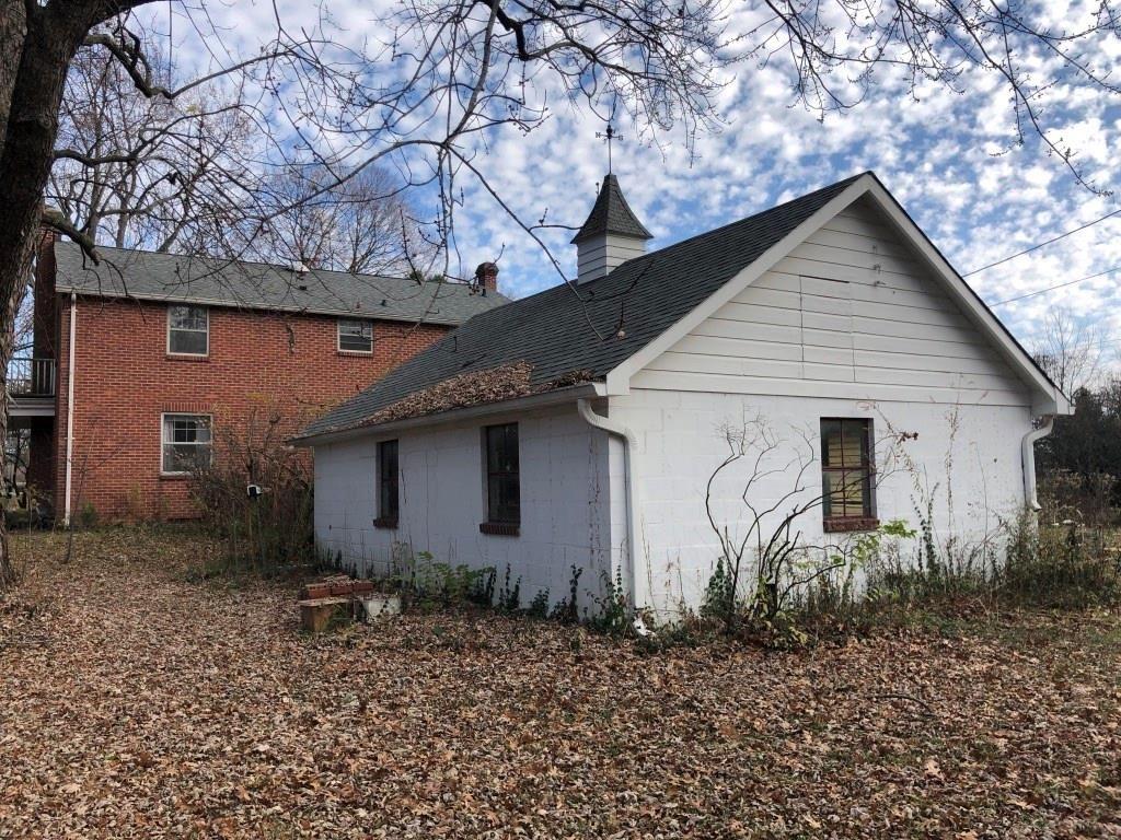 Photo of 412 South School Street, Brownsburg, IN 46112 (MLS # 21752887)