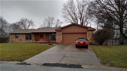 Photo of 40 South Restin Road, Greenwood, IN 46142 (MLS # 21696888)