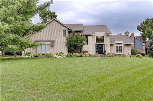 Photo of 4643 Fox Moor Place, Greenwood, IN 46143 (MLS # 21730890)