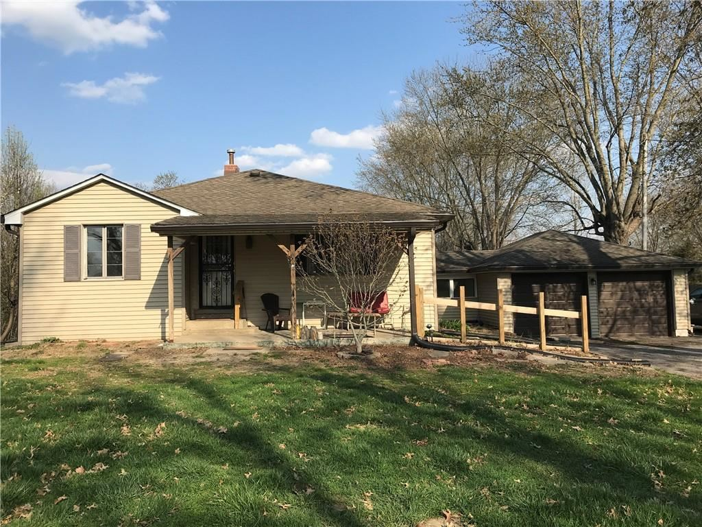 Photo of 4709 South County Road 500 E, Plainfield, IN 46168 (MLS # 21776891)