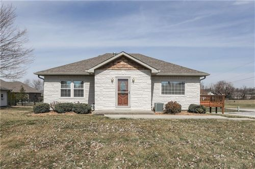Photo of 3660 West Smith Valley Road, Greenwood, IN 46142 (MLS # 21770902)