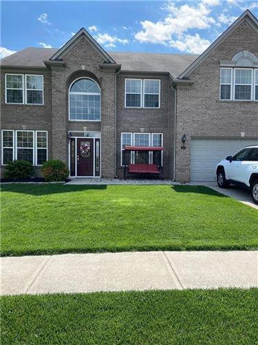Photo of 1454 Woodfield Drive, Greenwood, IN 46143 (MLS # 21783903)