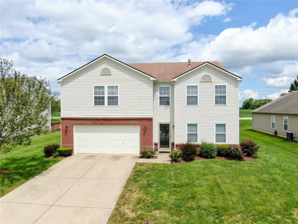10316 Lyric Drive, Indianapolis, IN 46235 - #: 21729903