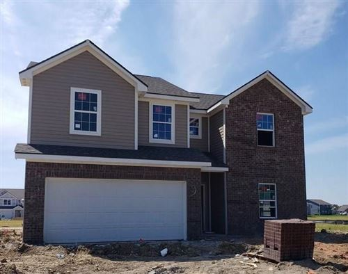 Photo of 416 Tracewood Bend, Greenfield, IN 46140 (MLS # 21730907)