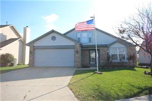 Photo of 191 Easton Point Way, Greenwood, IN 46142 (MLS # 21679908)