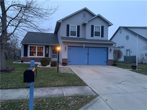 Photo of 18450 Harvest Meadows Dr. E, Westfield, IN 46074 (MLS # 21760914)