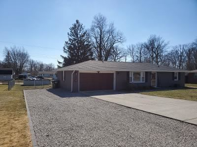 Photo of 105 Willow Lane, Anderson, IN 46012 (MLS # 21769926)