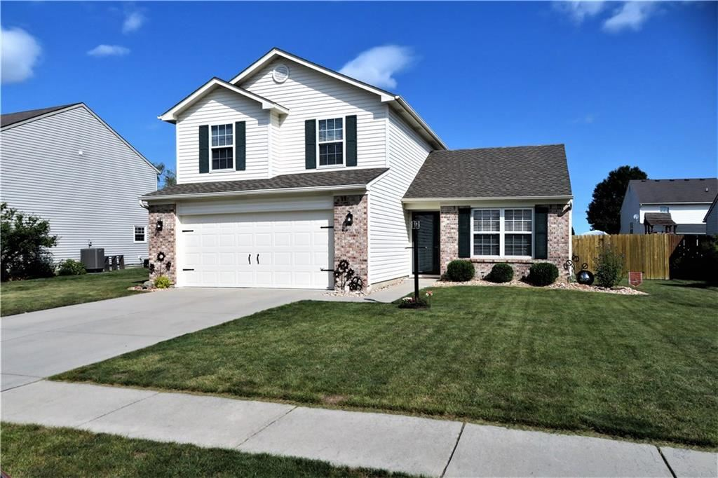 Photo of 1764 Creekside Drive, Brownsburg, IN 46112 (MLS # 21739926)