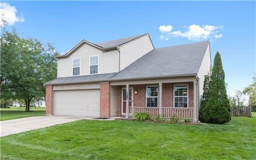 Photo of 1297 Silver Ridge Lane, Brownsburg, IN 46112 (MLS # 21731929)