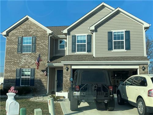 Photo of 2003 Red Oak Court, Shelbyville, IN 46176 (MLS # 21760930)