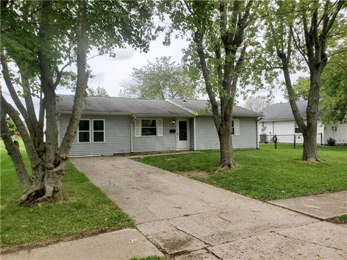 Photo of 304 Meadow Lane Court, Greenfield, IN 46140 (MLS # 21812933)