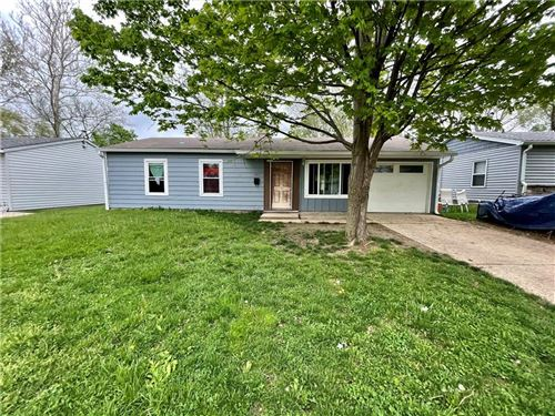 Photo of 930 Edgewood Drive, Mooresville, IN 46158 (MLS # 21783945)