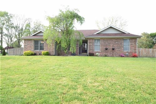 Photo of 5130 East Spring Drive, Columbus, IN 47201 (MLS # 21783954)