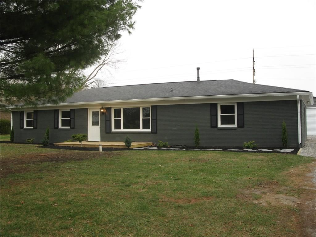 Photo of 209 Pinedale Drive, Avon, IN 46123 (MLS # 21754955)