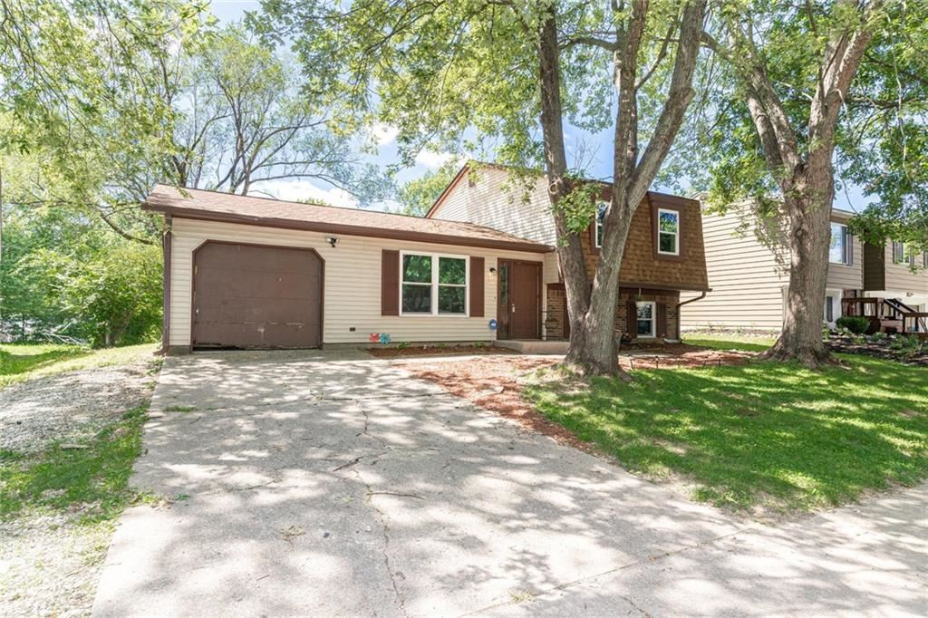 3038 Acoma Drive, Indianapolis, IN 46235 - #: 21732962