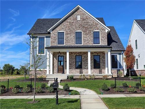 Photo of 15004 Oak Hollow E Lane, Carmel, IN 46033 (MLS # 21721966)