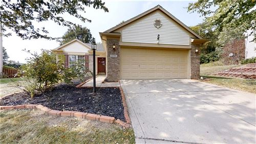 Photo of 9645 OVERCREST Drive, Fishers, IN 46037 (MLS # 21739966)