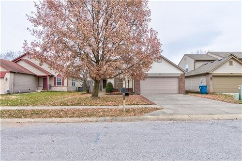 Photo of 8434 Country Meadows Drive, Indianapolis, IN 46234 (MLS # 21681971)