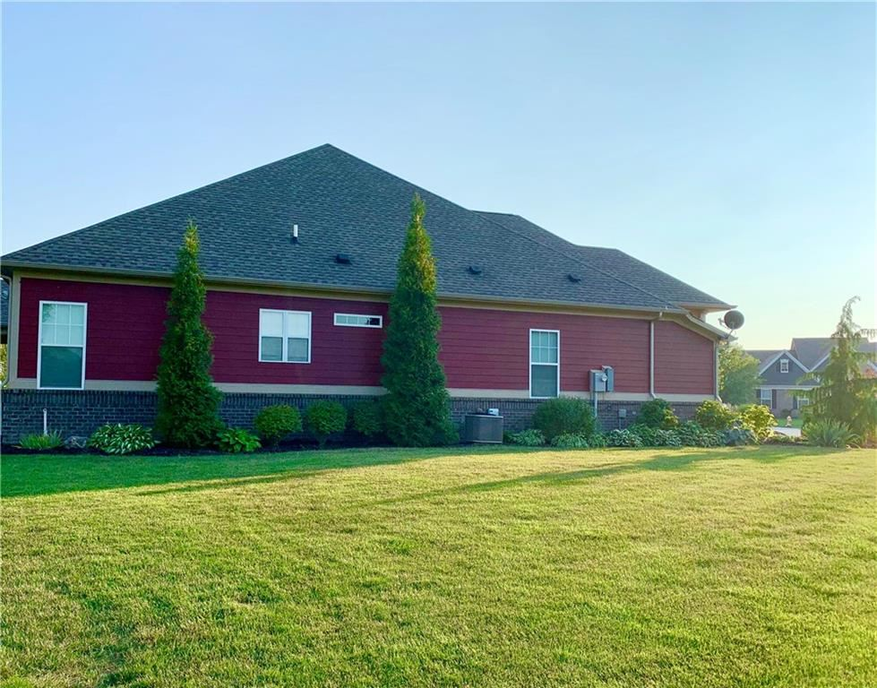 Photo of 1501 Windswept Drive, Brownsburg, IN 46112 (MLS # 21762973)
