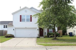 Photo of 10105 BOYSENBERRY, Fishers, IN 46038 (MLS # 21660975)
