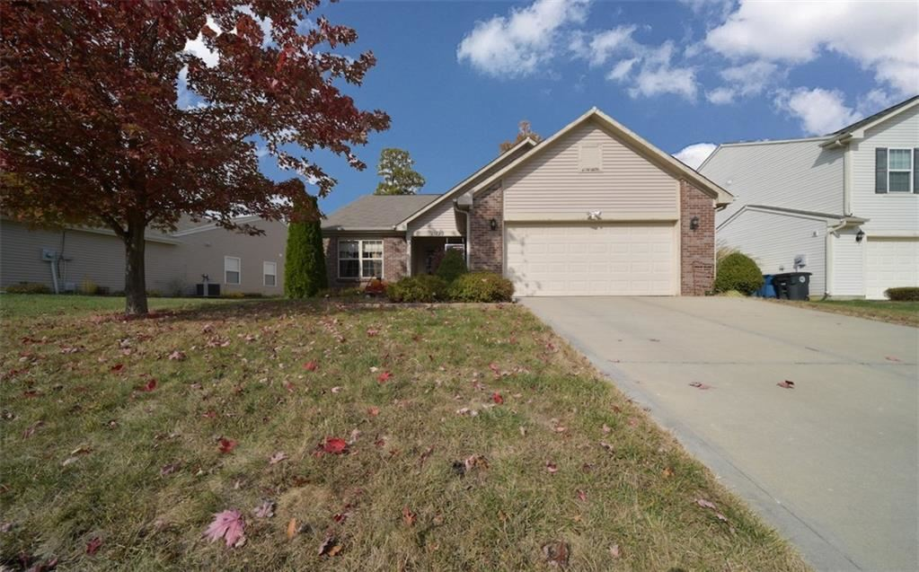 11720 Rossmore Drive, Indianapolis, IN 46235 - #: 21677980