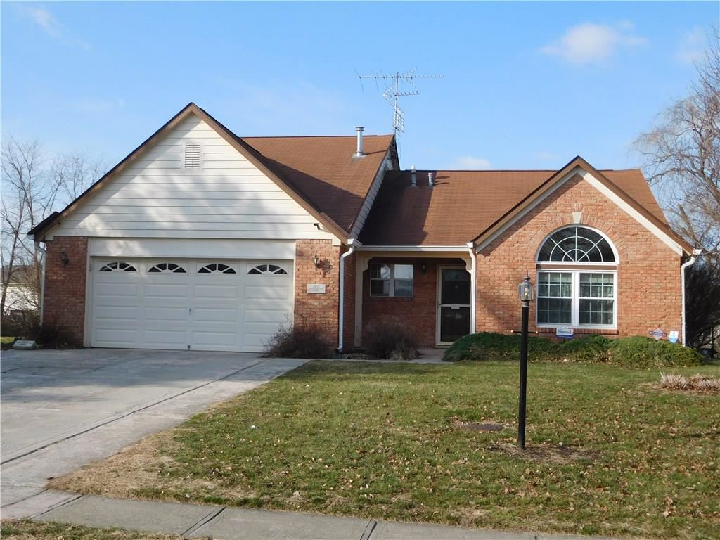 386 Meadowview Lane, Greenwood, IN 46142 - #: 21688981