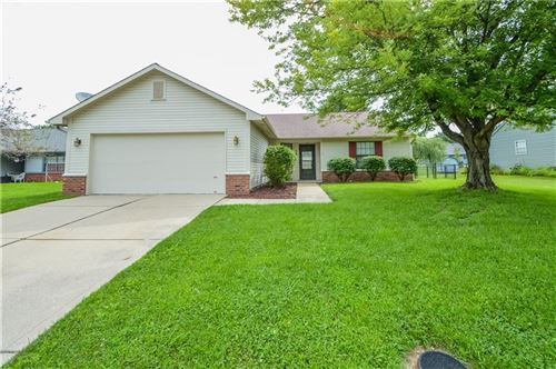 Photo of 7229 Muirfield Place, Indianapolis, IN 46237 (MLS # 21731982)