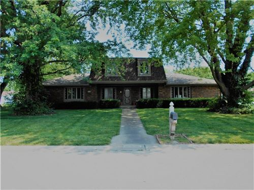 Photo of 750 Granada Drive, Greenwood, IN 46143 (MLS # 21801987)