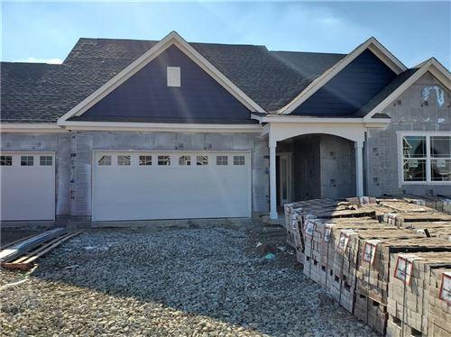 Photo of 965 Richelle Way, Greenwood, IN 46143 (MLS # 21813989)